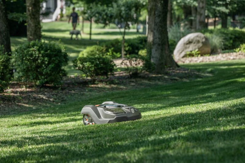 Husqvarna 450X robotic mower on hill